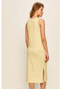 Żółta sukienka Vans prosta, casualowa, na ramiączkach