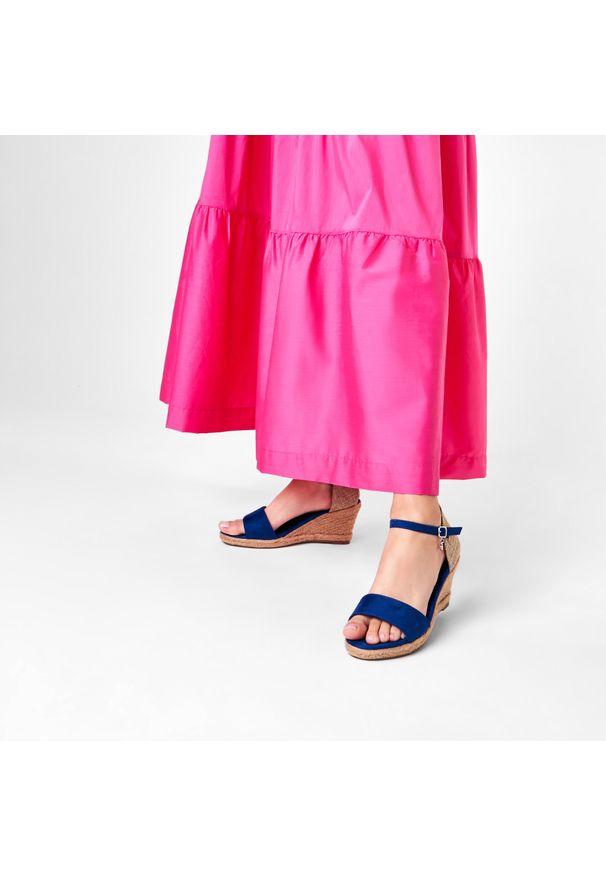 Niebieskie sandały Xti na co dzień, casualowe