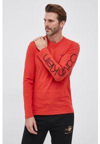 Calvin Klein - Longsleeve. Okazja: na co dzień. Kolor: czerwony. Długość rękawa: długi rękaw. Wzór: nadruk. Styl: casual