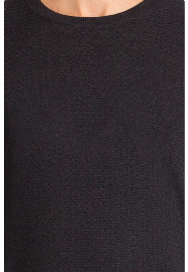 Czarny sweter Armani Exchange w kolorowe wzory, z okrągłym kołnierzem