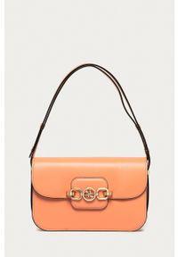 Guess - Torebka. Kolor: pomarańczowy. Rodzaj torebki: na ramię