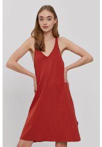 Protest - Sukienka. Kolor: czerwony. Materiał: dzianina. Długość rękawa: na ramiączkach. Wzór: gładki. Typ sukienki: rozkloszowane