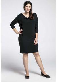 Nommo - Czarna Prosta Sukienka z Lejącym Dekoltem PLUS SIZE. Kolekcja: plus size. Kolor: czarny. Materiał: bawełna, poliester. Typ sukienki: proste, dla puszystych