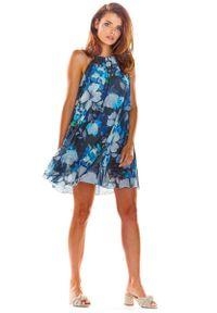 Niebieska sukienka rozkloszowana Awama w kwiaty, na lato
