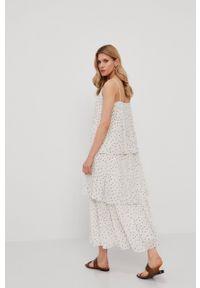 Samsoe & Samsoe - Samsoe Samsoe - Sukienka. Kolor: biały. Materiał: tkanina, poliester. Długość rękawa: na ramiączkach. Typ sukienki: plisowane, rozkloszowane