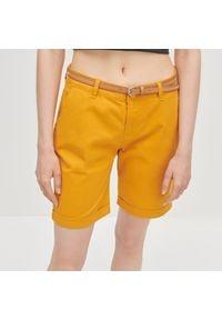 Reserved - Szorty z paskiem - Żółty. Kolor: żółty