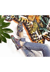 Zapato - półbuty - skóra naturalna - model 258 - kolor motyl. Nosek buta: okrągły. Zapięcie: sznurówki. Materiał: skóra. Wzór: kolorowy. Sezon: lato. Obcas: na obcasie. Styl: klasyczny, elegancki. Wysokość obcasa: niski