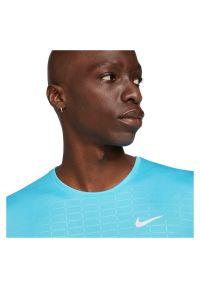 Koszulka męska do biegania Nike Run Division Miler DA1317. Materiał: poliester, materiał. Technologia: Dri-Fit (Nike). Sport: bieganie