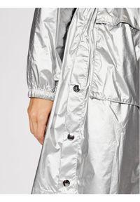 Karl Lagerfeld - KARL LAGERFELD Parka Metallic 211W1503 Srebrny Regular Fit. Typ kołnierza: dekolt w karo. Kolor: srebrny #5