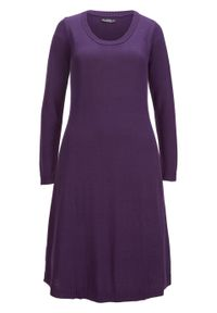Sukienka dzianinowa poszerzana dołem bonprix ciemny lila. Kolor: fioletowy. Materiał: bawełna, dzianina, materiał, akryl