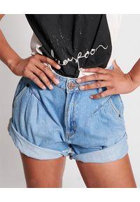 ONETEASPOON - Spodenki Pacifica Streetwalkers. Stan: podwyższony. Kolor: niebieski. Materiał: jeans. Wzór: aplikacja. Sezon: lato. Styl: retro