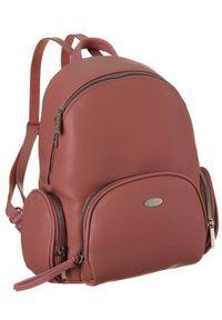 DAVID JONES - Plecak damski czerwony David Jones 6521-2 BRICK. Kolor: czerwony. Materiał: skóra ekologiczna