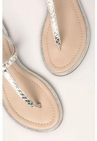 Srebrne sandały Aldo bez obcasa, na klamry