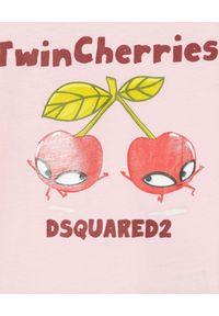 DSQUARED2 KIDS - Różowa koszulka z nadrukiem 0-3 lata. Kolor: różowy, fioletowy, wielokolorowy. Materiał: materiał, bawełna. Wzór: nadruk. Sezon: lato. Styl: klasyczny