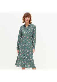 Brązowa sukienka Reserved w kwiaty, szmizjerki