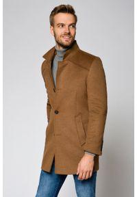 Beżowy płaszcz Lancerto klasyczny