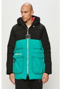 Zielona kurtka Jordan z kapturem