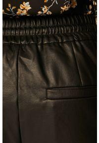 Czarne spodnie materiałowe Vero Moda