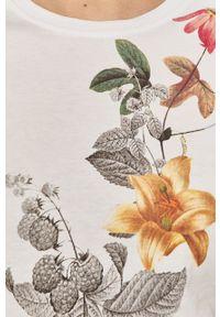 Biała bluzka Answear Lab wakacyjna, w kwiaty, na co dzień