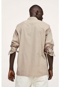 Mango Man - Koszula Libano. Typ kołnierza: kołnierzyk stójkowy. Kolor: beżowy. Materiał: włókno, tkanina. Długość rękawa: długi rękaw. Długość: długie. Wzór: gładki