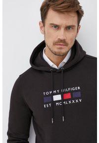 TOMMY HILFIGER - Tommy Hilfiger - Bluza. Okazja: na co dzień. Kolor: czarny. Materiał: bawełna, dzianina. Wzór: aplikacja. Styl: casual