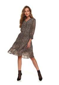 Beżowa sukienka TOP SECRET z motywem zwierzęcym, koszulowa