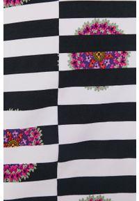 Desigual - Sukienka. Kolor: czarny. Materiał: dzianina. Długość rękawa: krótki rękaw. Typ sukienki: dopasowane