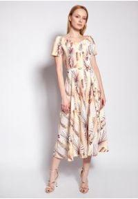 Lanti - Midi Sukienka z Dekoltem Carmen w Tropikalne Liście. Typ kołnierza: typu carmen. Materiał: poliester. Długość: midi