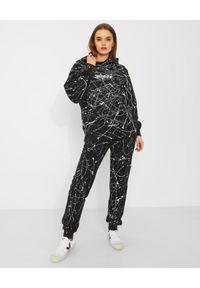 CHAOS BY MARTA BOLIGLOVA - Czarna bluza bawełniana PAINT. Typ kołnierza: kaptur. Kolor: czarny. Materiał: bawełna. Wzór: haft