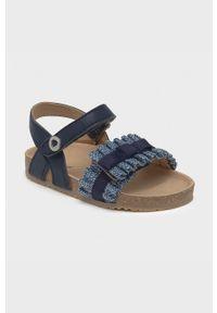 Niebieskie sandały Mayoral gładkie, na rzepy, na obcasie