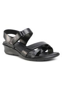 Czarne sandały ecco na co dzień, na obcasie, na średnim obcasie, casualowe