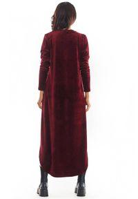 Awama - Welurowa trapezowa sukienka z asymetrycznym dołem. Materiał: welur. Długość rękawa: długi rękaw. Typ sukienki: asymetryczne, trapezowe