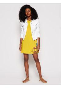 Desigual Sukienka codzienna Vegas 21SWVKAG Żółty regular_fit. Okazja: na co dzień. Kolor: żółty. Typ sukienki: proste. Styl: casual