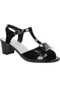 Czarne sandały Sergio Leone klasyczne, w kolorowe wzory, na lato