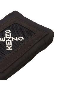 Kenzo - KENZO - Czarny portfel z logo. Kolor: czarny. Materiał: materiał
