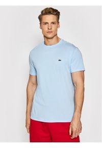Lacoste T-Shirt TH6709 Niebieski Regular Fit. Kolor: niebieski