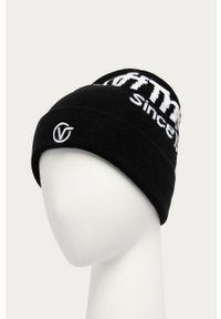 Czarna czapka Vans z aplikacjami