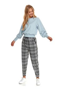 TOP SECRET - Gładka bluza z bawełną. Kolor: niebieski. Materiał: bawełna. Długość rękawa: długi rękaw. Długość: krótkie. Wzór: gładki. Sezon: zima