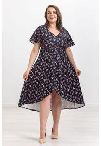 Czarna sukienka Moda Size Plus Iwanek na spacer, w kwiaty