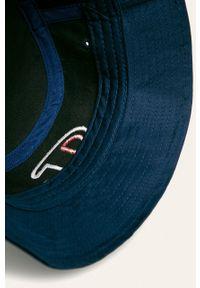 Niebieski kapelusz Champion z aplikacjami