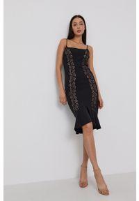 Guess - Sukienka. Kolor: czarny. Materiał: dzianina. Długość rękawa: na ramiączkach. Wzór: gładki. Typ sukienki: dopasowane