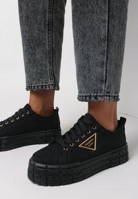 Born2be - Czarne Trampki Ninezig. Wysokość cholewki: przed kostkę. Nosek buta: okrągły. Kolor: czarny. Materiał: materiał. Szerokość cholewki: normalna. Wzór: napisy, geometria. Obcas: na platformie. Styl: klasyczny