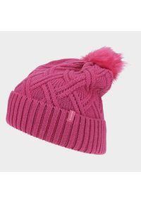 Różowa czapka zimowa Everhill