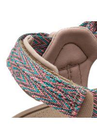 Różowe sandały skechers