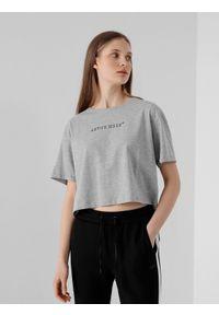 4f - T-shirt basic crop top z nadrukiem damski. Kolor: szary. Materiał: dzianina, bawełna. Długość: krótkie. Wzór: nadruk