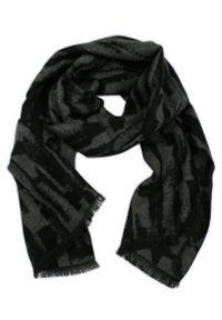 Szary szalik Adriano Guinari na zimę