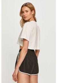 Biała bluzka Calvin Klein Jeans na co dzień, casualowa, z nadrukiem