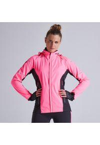KIPRUN - Kurtka do biegania damska Kiprun Warm Regul ocieplana. Kolor: wielokolorowy, różowy, czarny. Materiał: softshell, materiał. Sezon: zima. Sport: fitness