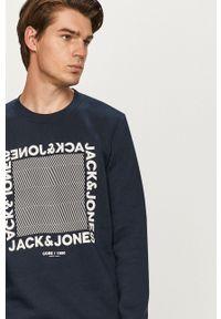 Niebieska bluza nierozpinana Jack & Jones na co dzień, z nadrukiem, casualowa