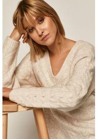 Kremowy sweter medicine raglanowy rękaw